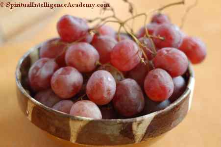 The unhealthy food we eat: grapes after more than 3 months in the fridge